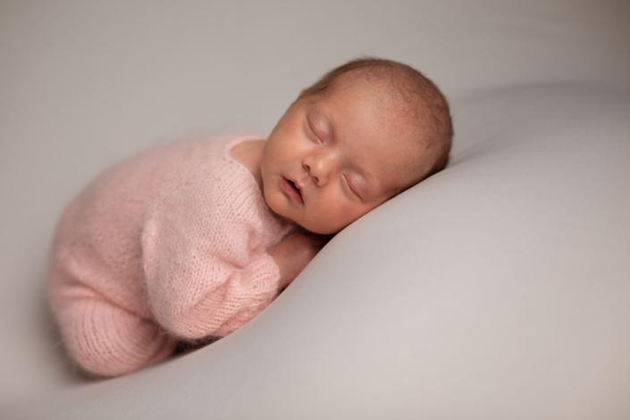 Newborn shoot babygirl, Kapellen, België